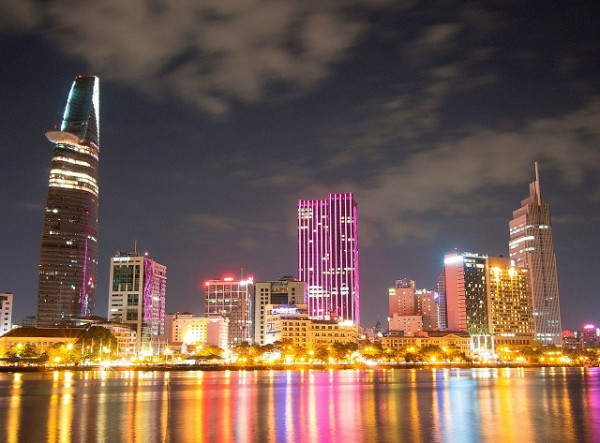 Đặt vé máy bay đi Sài Gòn khám phá thành phố từ A - Z