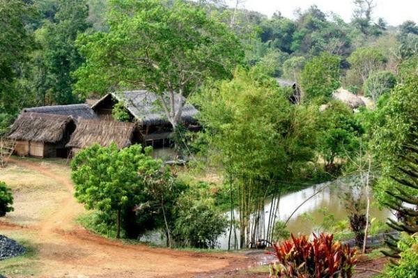 Buôn Ako Dhong ở Buôn Ma Thuật