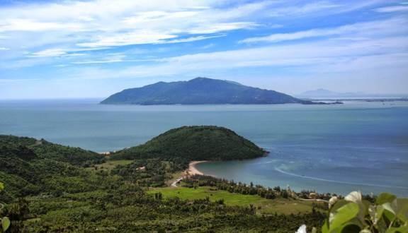 Một góc Vũng Chùa- Đảo Yến