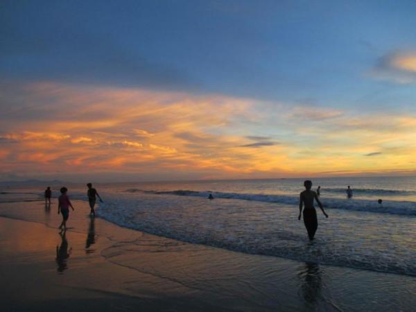 Bãi biển Nhật Lệ1