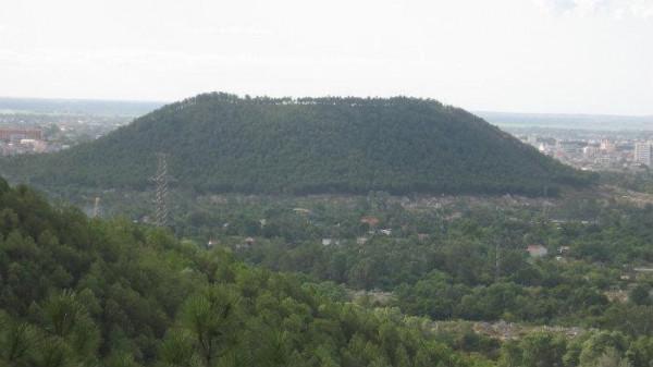 Núi Ngự Bình1