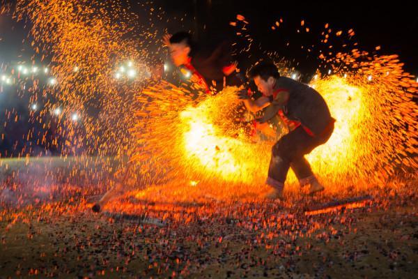 Lễ hội nhảy lửa của dân tộc Dao đỏ