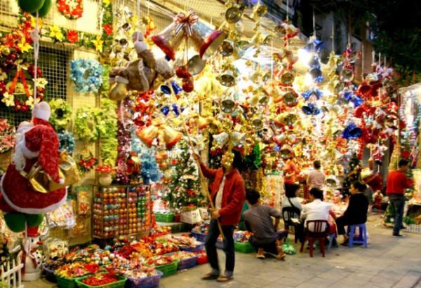 Rực sắc màu Giáng sinh trên Phố Hàng Mã