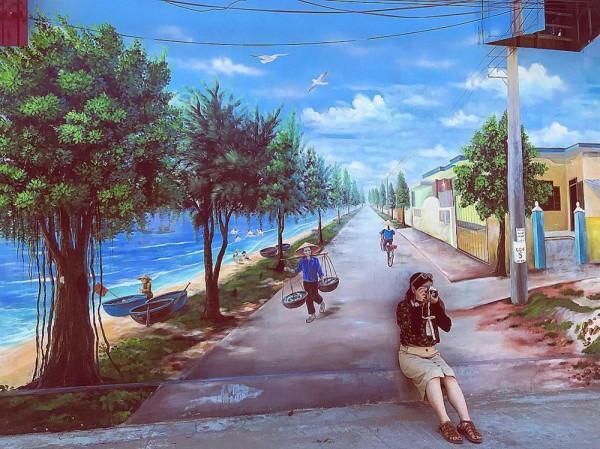 Lạc bước tại làng bích họa ven biển Quảng Bình1