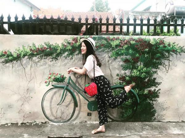Lạc bước tại làng bích họa ven biển Quảng Bình3