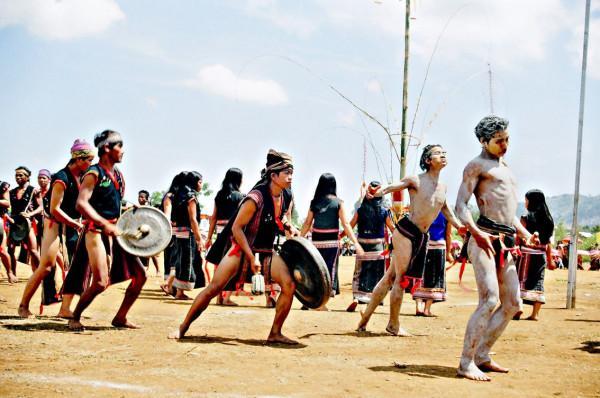 Lễ hội cồng chiêng Tây Nguyên1