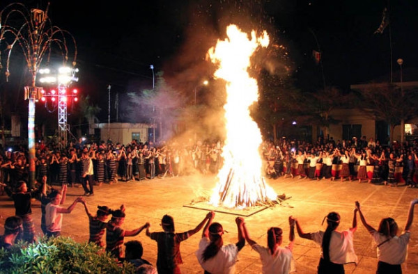 Lễ hội cồng chiêng Tây Nguyên2