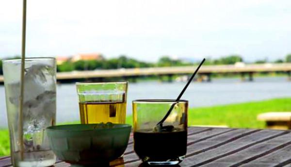 café bên dòng song Hương
