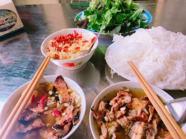 3. Bún chả Hồ Gươm – Võ Văn Tần1