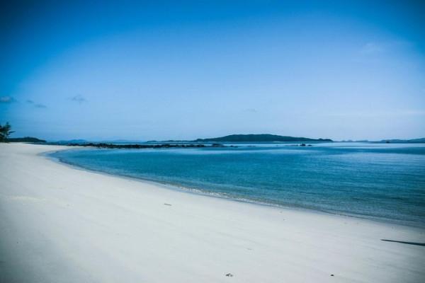 Bãi biển Hồng Vàn2