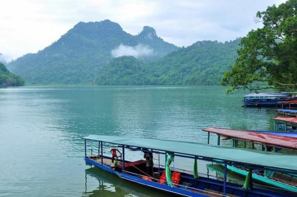 Hồ Ba Bể và vườn quốc gia Ba Bể