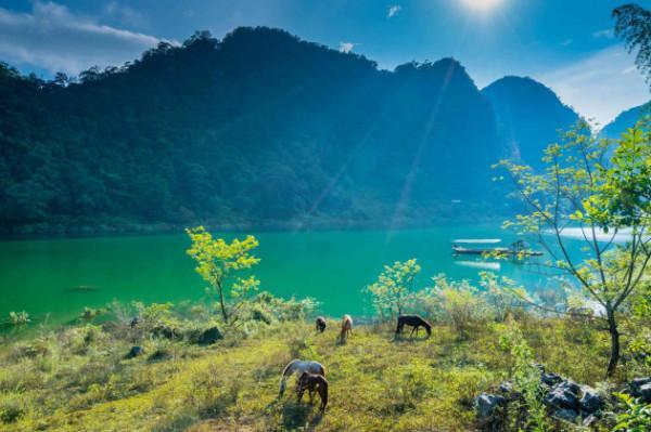 Hồ Ba Bể và vườn quốc gia Ba Bể1