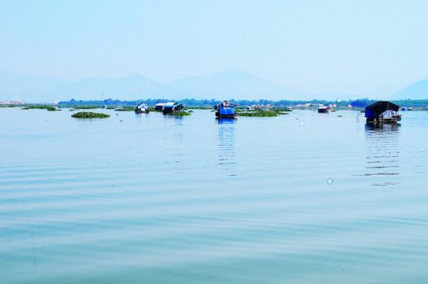 Hồ Biển Lạc2
