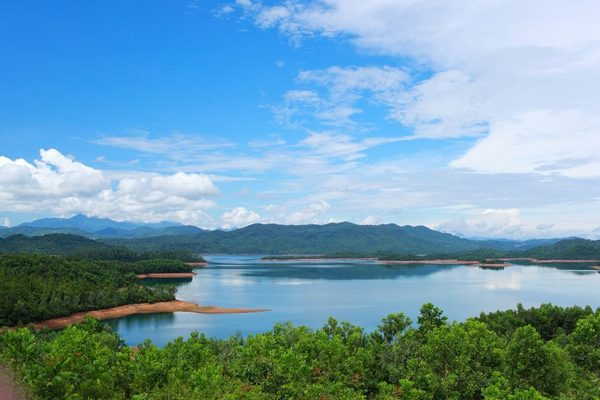Tham quan Hồ Phú Ninh