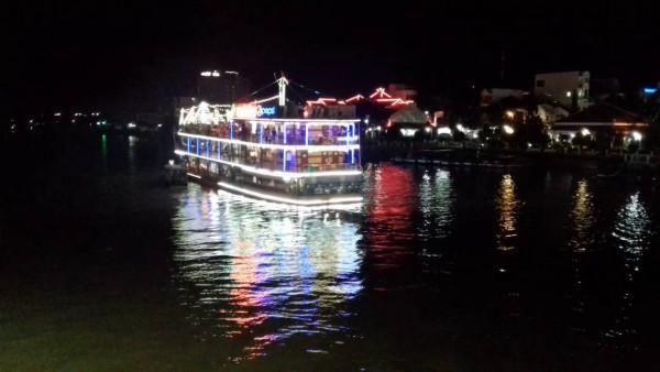 Bến Ninh Kiều3