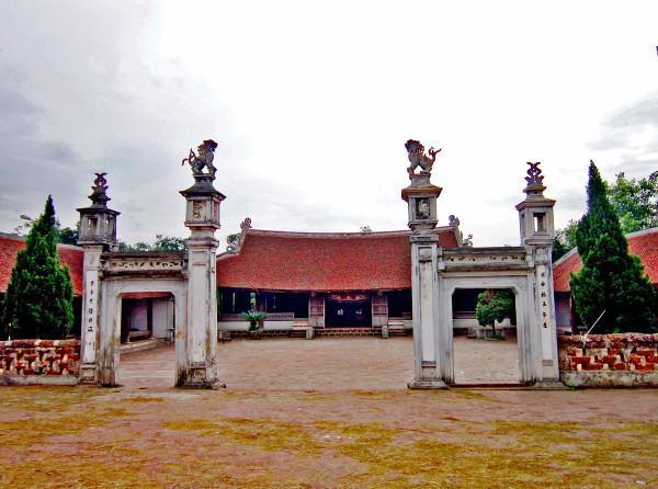 Làng Mông Phụ