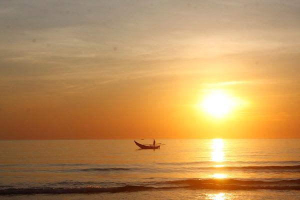 Tắm biển Tam Thanh2