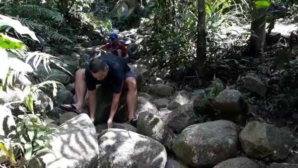 núi Chứa Chan3