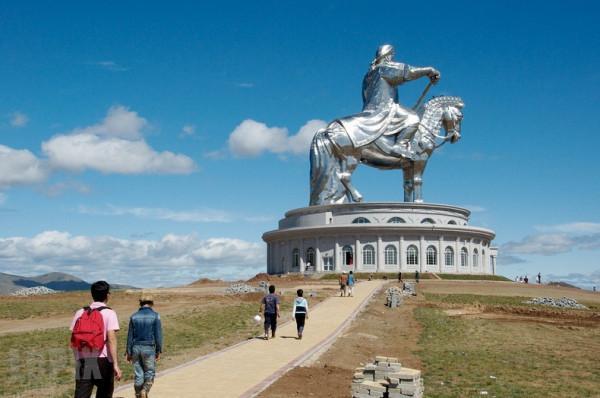 tượng đài Thành Cát Tư Hãn6
