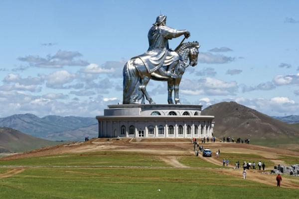 tượng đài Thành Cát Tư Hãn7