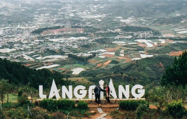 1. Núi Langbiang
