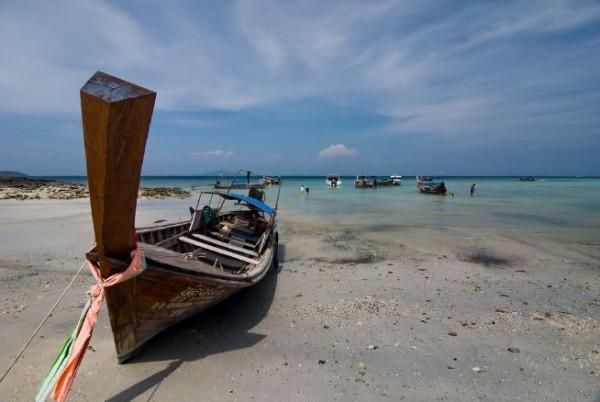 8. Khu du lịch biển Khai Long