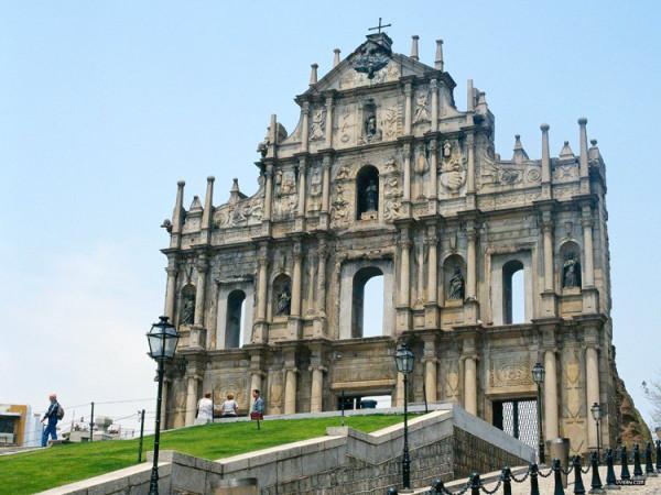 1. Di tích Nhà thờ thánh Paul