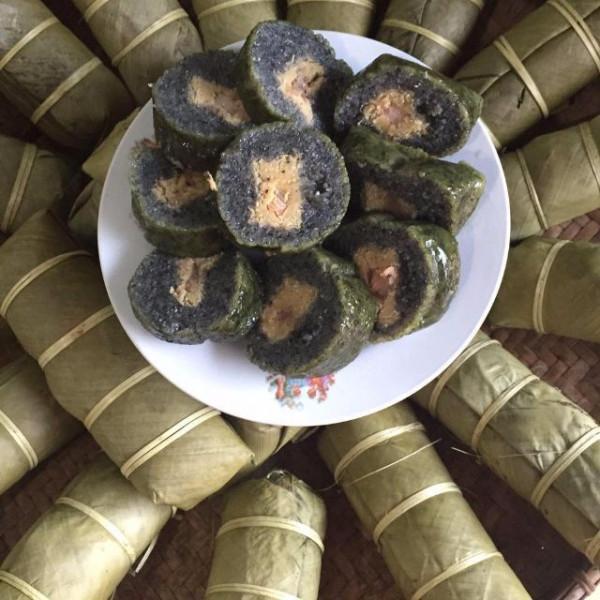 Bánh chưng đen Mường Lò.