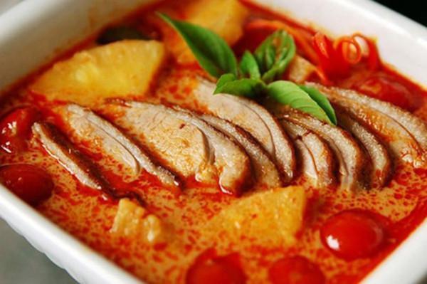 Cà ri Myanmar (Burmese curry)