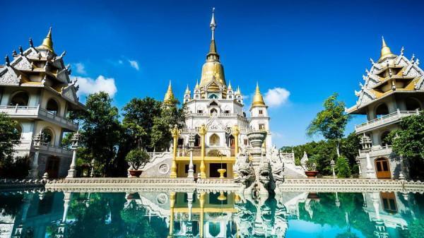 Chùa Bửu Long – nét Thái Lan giữa lòng Sài Gòn1