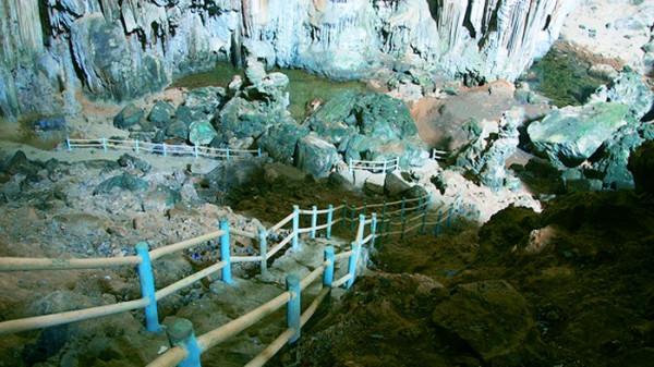 Hang Phương Hoàng-Suối Mỏ Gà1