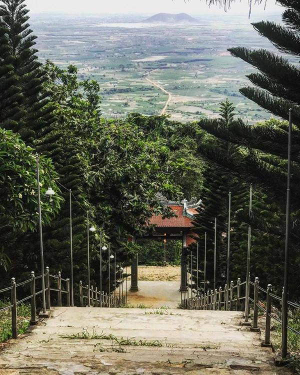 Núi Tà Cú1