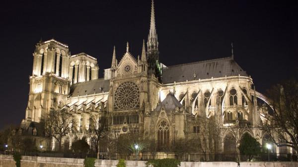 Nhà thờ Đức bà Paris1