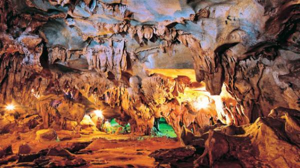 3. Đền Trúc - Ngũ Động Sơn