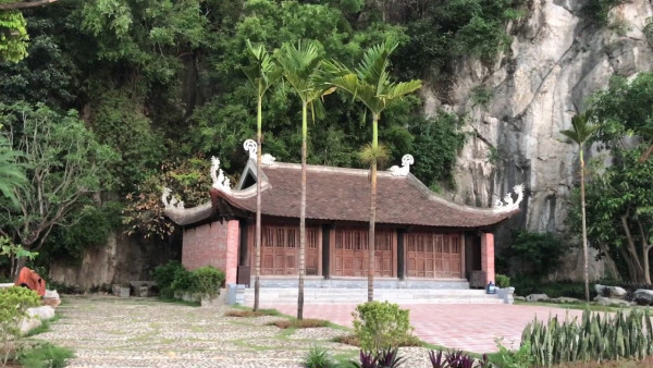 6. Khu du lịch sinh thái Tam Chúc - Ba Sao