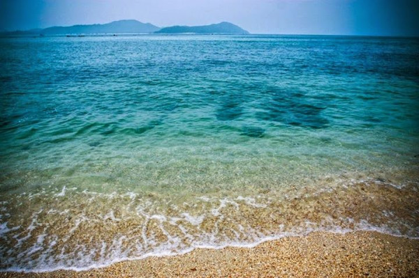 Bãi biển Hồng Vàn.