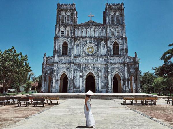 Nhà thờ Mằng Lăng2