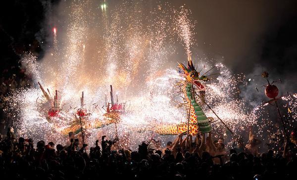 Rước rồng lửa tại Hồng Kông.1