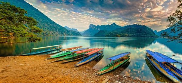 vẻ đẹp bước ra từ cổ tích của Hồ Ba Bể2 - Copy
