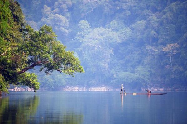 vẻ đẹp bước ra từ cổ tích của Hồ Ba Bể3 - Copy