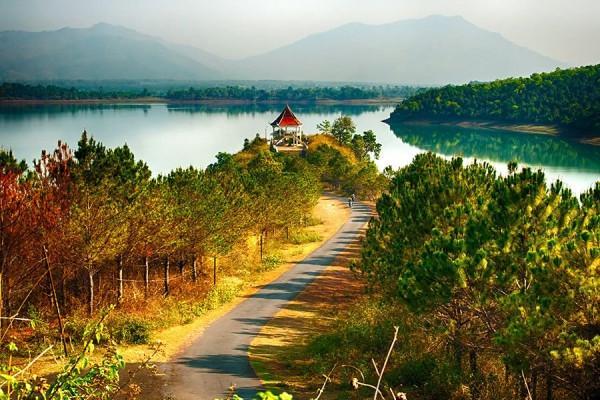 Hồ T'Nưng1
