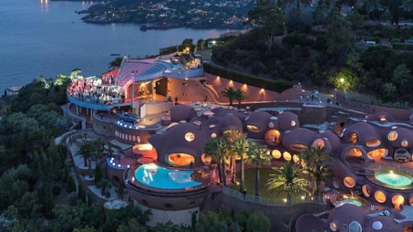 Ngôi nhà bong bóng, Cannes, Pháp