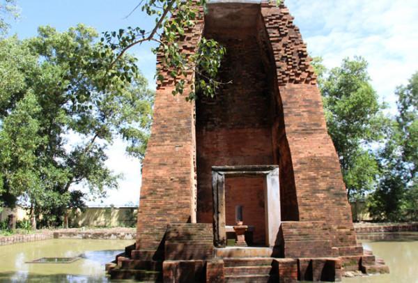 Tháp Vĩnh Hưng Bạc Liêu