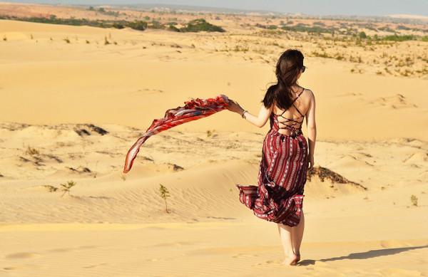 Phan Thiết với nhiều đồi cát cùng bãi biển đẹp