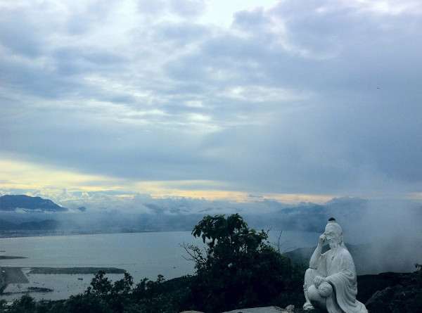 Vé máy bay giá rẻ khám phá lá phổi xanh ở Đà Nẵng