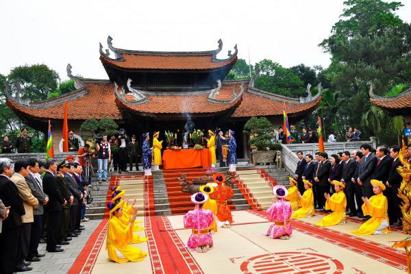 Khu di tích đền Hùng1