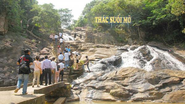 Khu du lịch sinh thái Suối Mỡ1