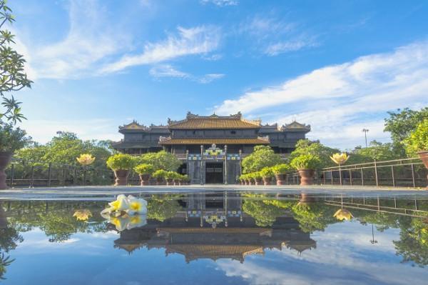 Vé máy bay giá rẻ du lịch những điểm đẹp nhất cố đô Huế
