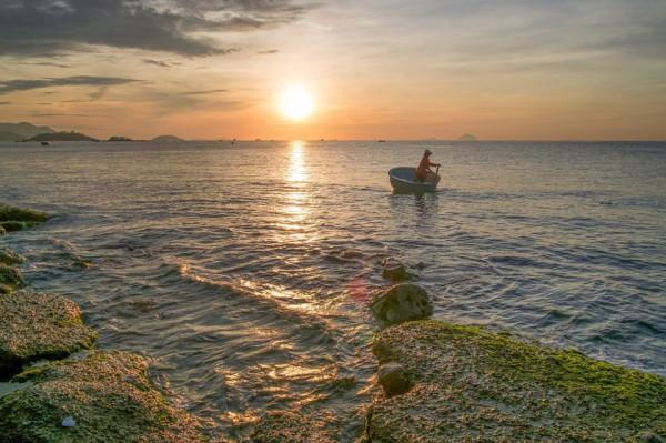Biển Nha Trang xanh trong