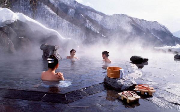 Tắm suối nước nóng Osen